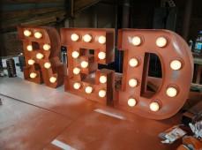Фото - буквы с лампами